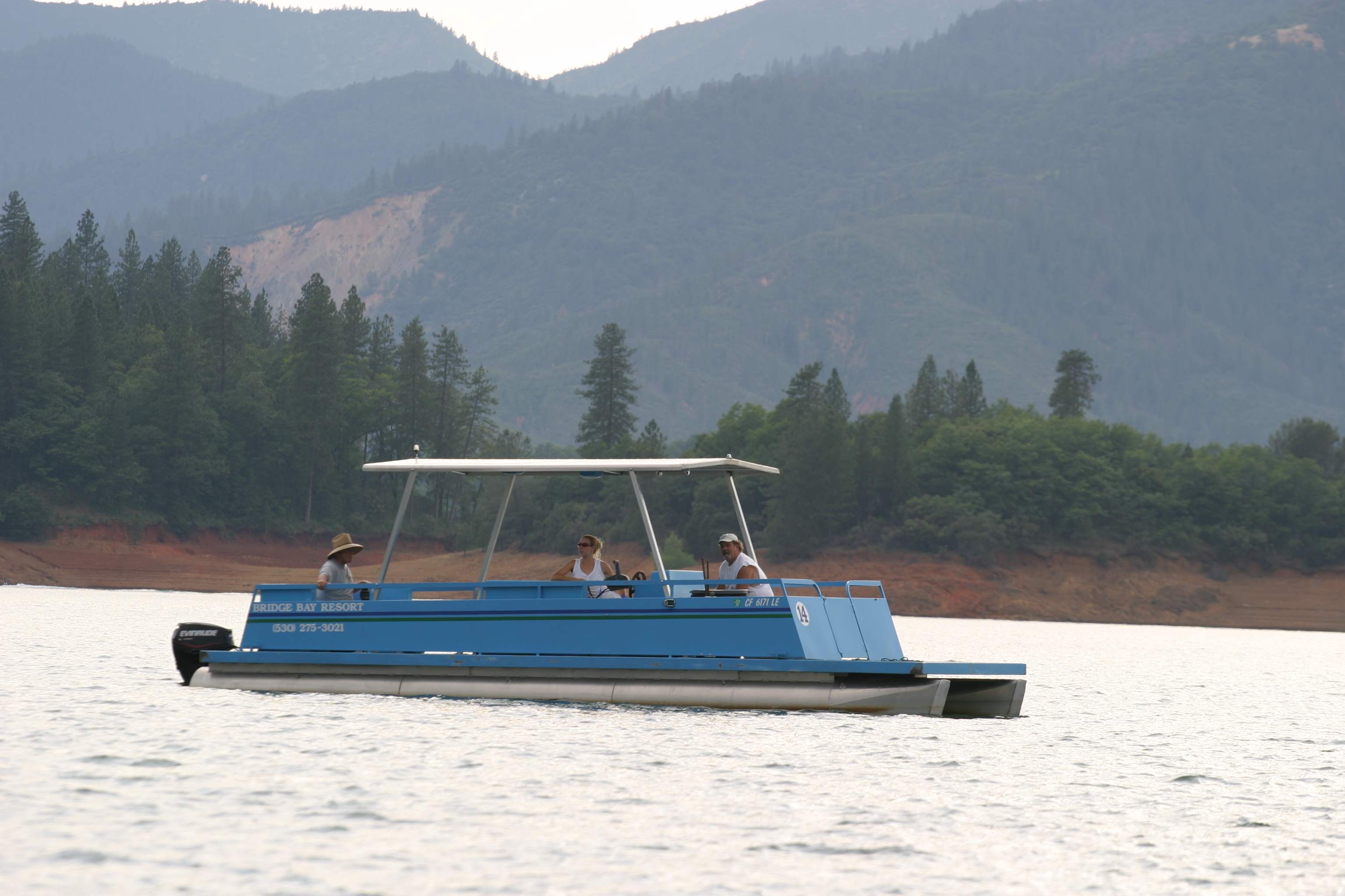 Shasta Lake Patio Boat Rentals | Bridge Bay Marina