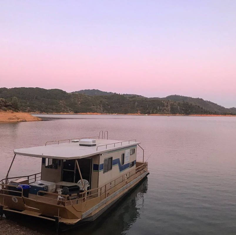 Shasta Lake, houseboat, Lake Shasta